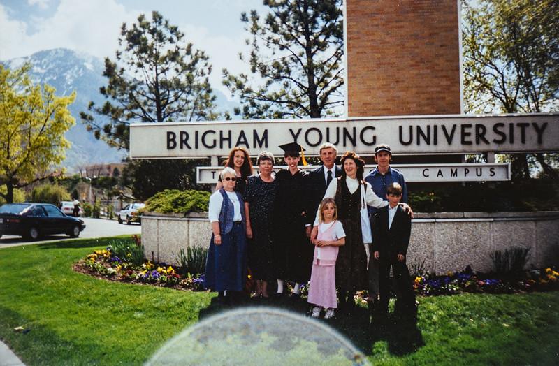 Kristen, Kathy, Sara, Dad, Vonda, Scotty, Marcia, Kate, Ian 1997