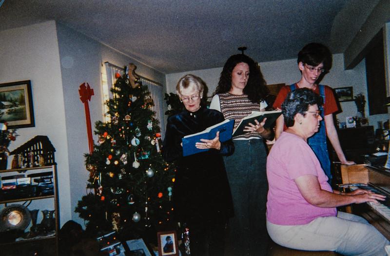 Louis, Kristen, Sara, Kathy Jarvie 1999