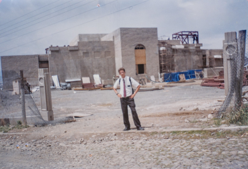 Elder Scott Jarvie Feb. 99 Me and the Templo/ temple