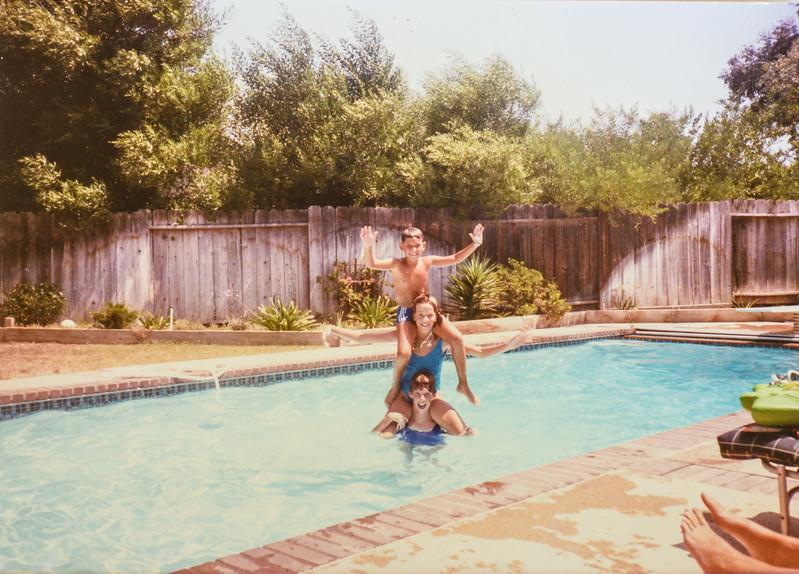 Scotty, Kris, Sara at Bill and Linda Meyers pool