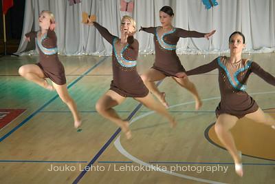 Nokian Pyryn voimistelujaoston kevätnäytös 23.5.2010 - Nokian Pyry Gymnastics section springshow  23. May 2010. Photo 574 . Chrystalls, JV kilpailuohjelma 2010