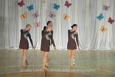 Nokian Pyryn voimistelujaoston kevätnäytös 23.5.2010 - Nokian Pyry Gymnastics section springshow  23. May 2010. Photo 568 . Chrystalls, JV kilpailuohjelma 2010