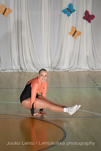 Nokian Pyryn voimistelujaoston kevätnäytös 23.5.2010 - Nokian Pyry Gymnastics section springshow  23. May 2010. Photo 058 .: Anni Hakala, KA 4lk Svoli naiset