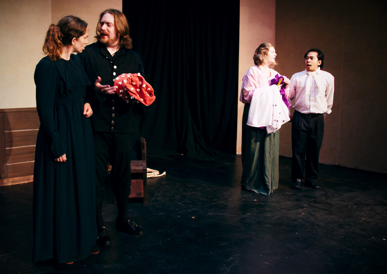 Petruchio: No, no, this hat is nasty.  <br /> <br /> Polly Edwards, Nicholas Oddson, Carrie Nixon Elg, Arsenyk Ustaris.