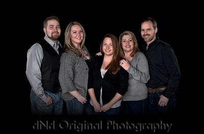 Steve & Tammy with children Jonathan & wife Nikki, & Ashton Extended Canvas For Crops - Low Key