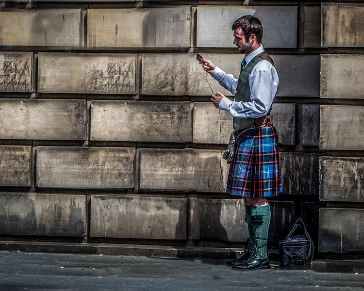 Edinburgh Piper Wired for Sound