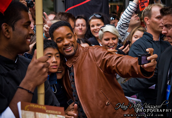 Will Smith is real cool to his fans.