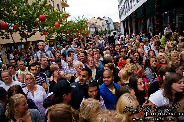 Around 4000 people gathered to see Will Smith and Jackie Chan in Fredrikstad.