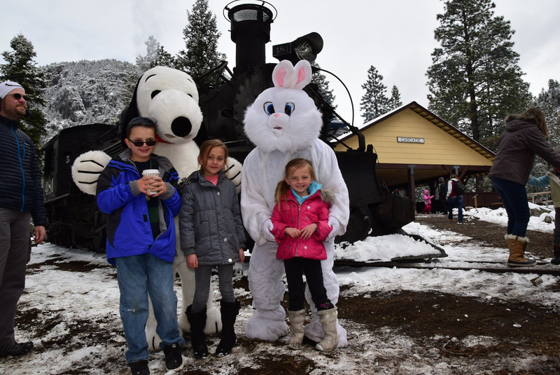 Easter Bunny AND Snoopy (9)