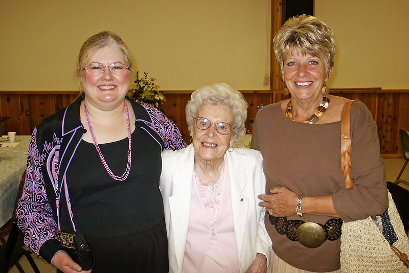 Aileen Elsie and Judy.  Elsie (middle) is the sole surviving Raver sister (2009).  Her older siblings, Hazel, Elizabeth and Phyllis have died.  All of these woman lived into their nineties.