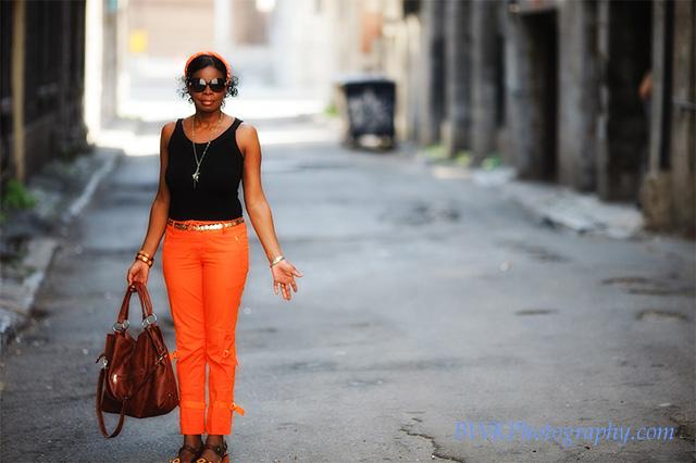IMAGE: http://www.bwkphotography.com/People/The-wife/IMG6340/879219250_LMwGu-XL-2.jpg