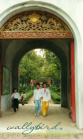 children at the Temple of Literature