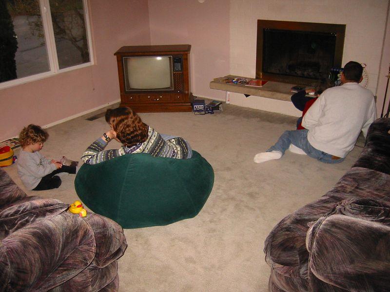 2003-04-03 Kara-Brenda-Joshua-Jim-lounging-in-the-living-room