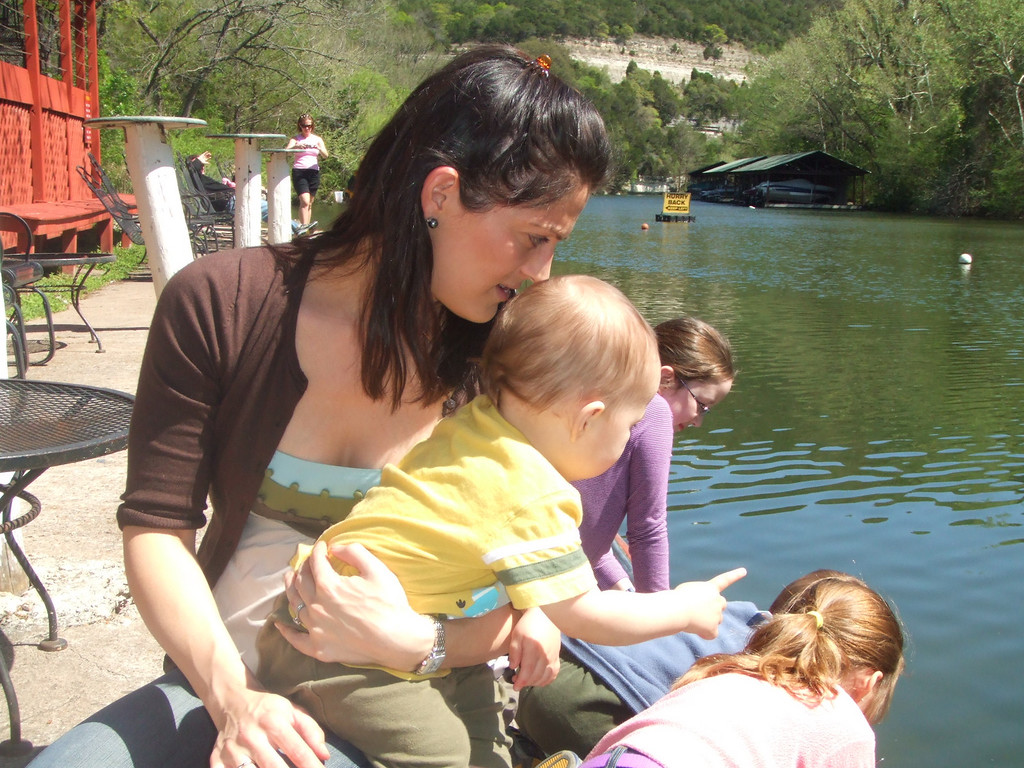 Vicci and Nicky looking at the turtles and ducks at the County Line restaurant -  28Mar09