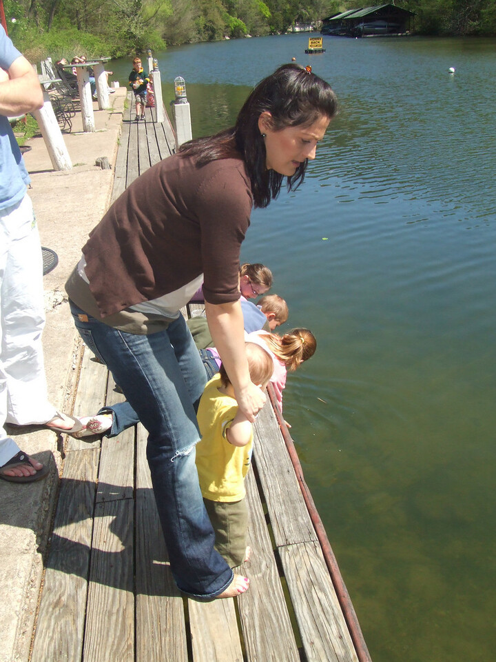 Vicci and Nicky looking at the fish, ducks and turtles at the County Line restaurant -  28Mar09