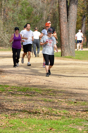 Joggers along the Seymour Lieberman Exer-Trail at Memorial Park in Houston.<br /> NRCS photo by Beverly Moseley.