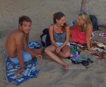 Max Rachel Serena Waikiki 071311