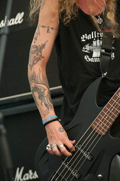 Circle II Circle (USA) at Wacken Open Air 2011 (show case in the press tent)