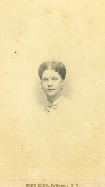 Bust Image of Unknown Woman (07539)