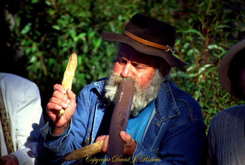 Didgeridoo in the Blue Mountains of Australia