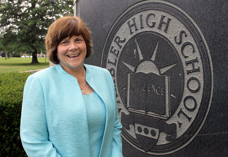 Wissahickon High School Principal Lyn Fields to retire.<br /> Bob Raines--Montgomery Media