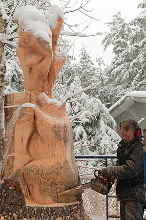 Robin Deruchie, Wolf Creek Carvings, Day 3