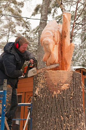 Robin Deruchie, Wolf Creek Carvings, Day 2
