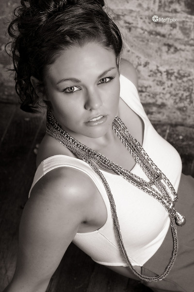 Model: Jenna Shae<br /> Hair: Crystal Bomar<br /> MUA: Nichole Bockover<br /> Wardrobe: Kalyn Valliere Designs