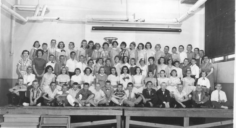 Lincoln School 6th grade class (names with a lot of help from Kathi Williams, et al)<br /> Row 1 – Roger Geyer, Pete Hamre, Eddie Baker, Alan Tvenge, Bruce P. Carlson, Kenny Borud, ?, Loren Headrick, Richard Davik, Gordon Wallace, ?, Doug White,  Bernie Saltvedt, Terry Stadick, ? ( think this might be Melvin Nygaard next to Bernie Saltvedt, not Terry Stadick).<br />  Row 2 - ?,Louise Paul, Rose something ?, X, Fern Ryan, Janice Zimmer, Dixie Revell, Robin Diamond, Linda Monagan, Mary Del Hurd, Judy Chambers,  ?, Margaret Stiles, Susan Charley<br /> <br /> Row 3 – Bob Williams, Clarence something?, Dennis Ryan, X, Sandra Totzke, Sharon Lynnes, ?, Donna Allen, Janet Klovstad, Chreyl Anderson, Dorcus Hovde, X, X, X, X, ?, ? (Bob & Joy ID'd: D. Ryan and C. Anderson)<br /> <br /> Row 4 – Mary Walstad, Kathy Moe, Remy Gran, Jane Gouin, Carolyn Matson, ?, Cheryl Mittlieder, ?, Dianne Haugen, Judy Hoyness, Joan Anderson, ?, Peggy Nordstrom, ?, Karen Olson, Kelly Freize, Larrel Berg, Darrel Elberg, Jim Wood (I think)?, Bucky Lee (Bob & Joy ID'd: Walstad, Cheryl Mittlieder, Hoyness, Frieze, Berg and Bucky Lee).