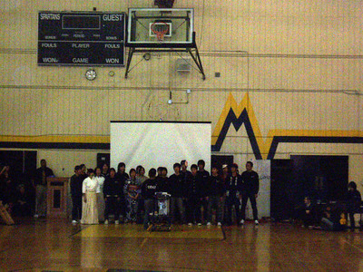 All the Iwata Students line up for a group picture after the welcoming ceremony and cultural demonstration assembly for Mountain View High School. We were at the far end of the gymnasium and it was dark, so this photo is not too clear.