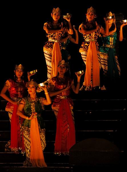 Dancers at night performance, Prambanam Hindu Temple, Yogyakarta, Central Java, Indonesia.