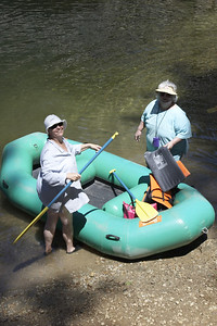 Judi & Carol gettin in the raft