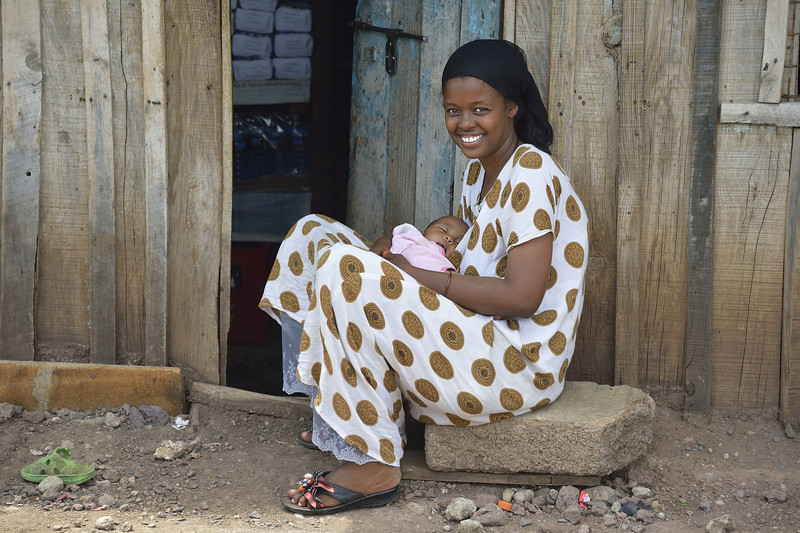 Smiling mother and child near Isiolo, Kenya