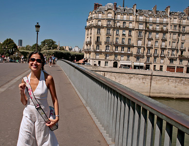 Laura crossing the Seine, pt St Louis, Paris