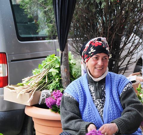 Gypsy Flower Seller, Kurtulus, Istanbul, Turkey