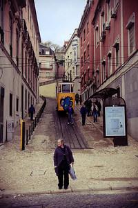 28 Lisabon woman