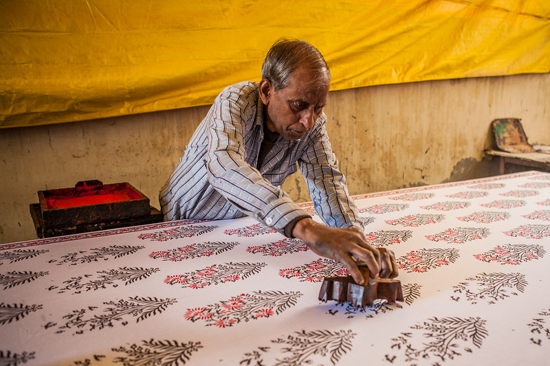 Block printing on a saree, Jaipur, Rajasthan, India