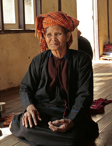 Pa-O Woman at the Shwe Yaunghwe Monastery