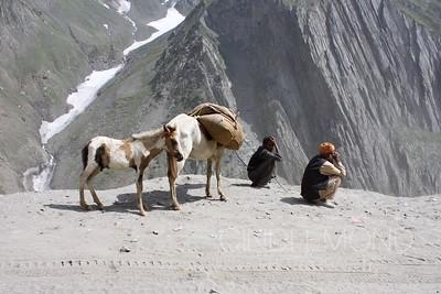 Waiting at the Zoji-La Pass