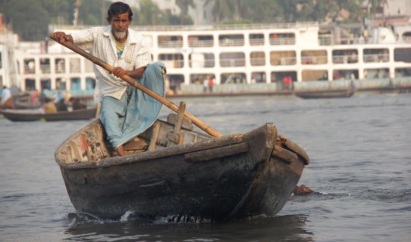 "<a href=""http://nomadicsamuel.com"">http://nomadicsamuel.com</a> : The faces of Bangladesh.  Bangladeshi people photos.  Candid shots of Bangladeshi people from Dhaka, Bangladesh.  Candid portraits showcasing smiles, emotions and everyday life."