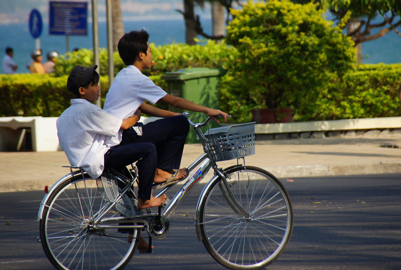 "<a href=""http://nomadicsamuel.com/about"">http://nomadicsamuel.com/about</a> :  The faces of Vietnam.  Vietnamese people photos.  Candid shots of Vietnamese people from Ho Chi Minh City, Saigon, Mekong Delta, Dalat, Nha Trang & Mui Ne.  Candid portraits showcasing smiles, emotions and everyday life."