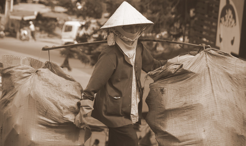 """<a href=""""http://nomadicsamuel.com/about"""">http://nomadicsamuel.com/about</a> :  The faces of Vietnam.  Vietnamese people photos.  Candid shots of Vietnamese people from Ho Chi Minh City, Saigon, Mekong Delta, Dalat, Nha Trang & Mui Ne.  Candid portraits showcasing smiles, emotions and everyday life."""