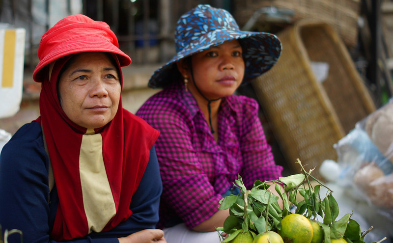"""<a href=""""http://nomadicsamuel.com"""">http://nomadicsamuel.com</a> :  The faces of Cambodia.  Khmer people photo.  Candid shots of Khmer people from Battambang, Phnom Penh, Siem Reap, Sihanoukville and the Temples of Angkor.  Candid portraits showcasing smiles, emotions and everyday life."""