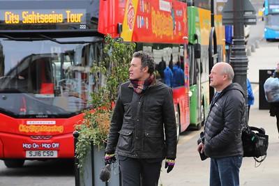 David Currie debates an Edinburgh Bus Tour?