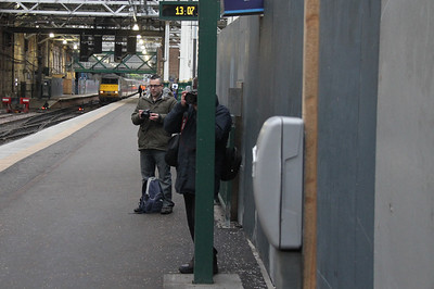 Skinnybob72 realises he has been clocked.  Stewart sensibly hides behind the signal post and his camera....