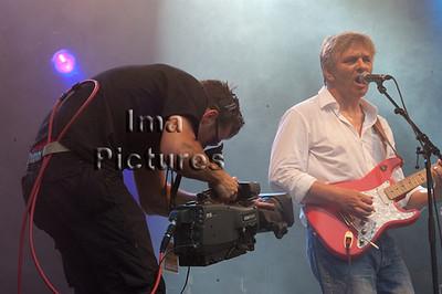 lcameraman,una twits ,genk on stage