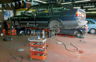 mechanic garagist mécanicien