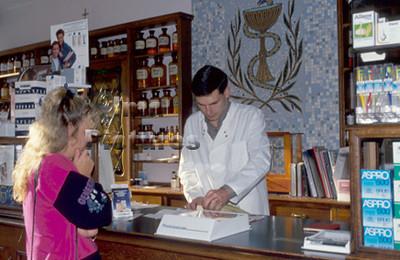 1-40-10-0375 Pharmacist,apotheker,Pharmacien
