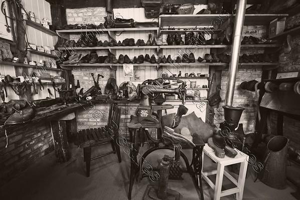 shoemaker,schoenmaker,cordonnier