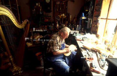 Violin Maker vioolbouwer Luthier